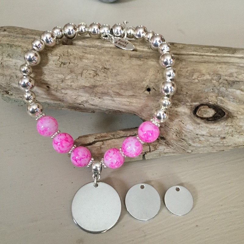 Personalised Bracelet CHIHUAHUA<br>Handmade with Silver-Plated & Bright Pink Glass Beads[1]