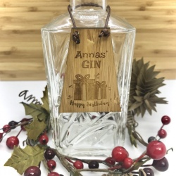 Gin Bottle Tag Drinks Plaque in Bamboo ''Happy Birthday'' Personalised with your own words