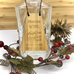 Wine Bottle Tag Drinks Plaque in Bamboo ''Adventure Awaits'' Personalised with your own words