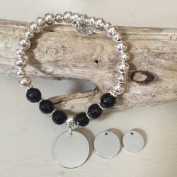Personalised Bracelet BLACK LABRADOR<br>Handmade with Silver-Plated beads & Black Agate GemStones